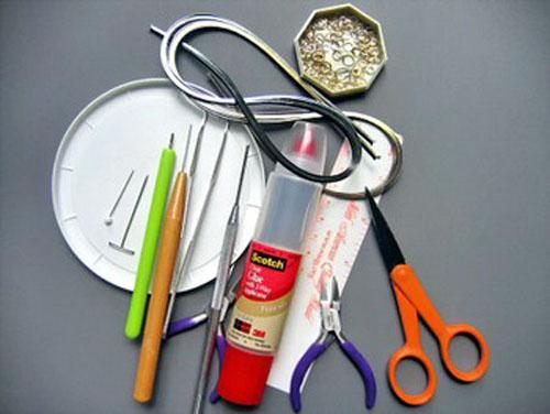 Необходимые инструменты и материалы для квиллинга